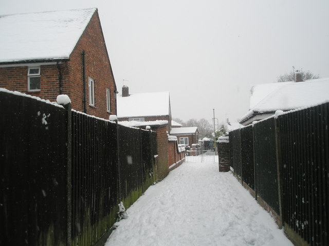 Snowy path from Battens Way to Stone Square