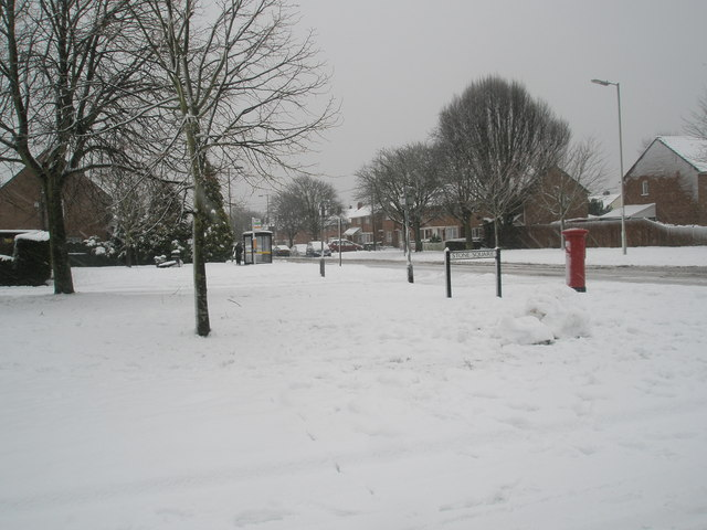 Postbox at the junction of Stone Square and Bedhampton Way