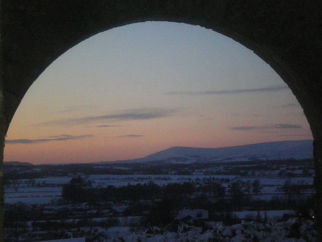 Parlick through the arch.