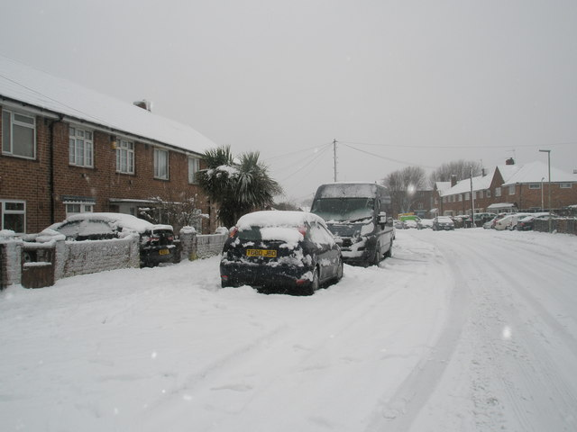 Heavy snow in Blendworth Crescent