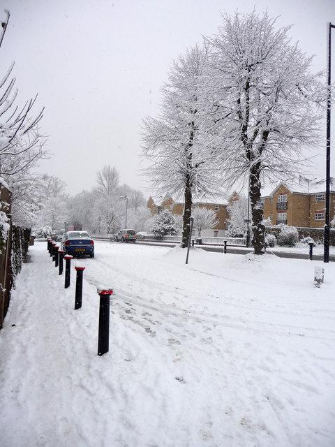 Service Road, Oakwood, London N14