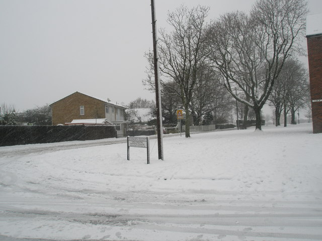 Junction of Blendworth Crescent and Stockheath Lane