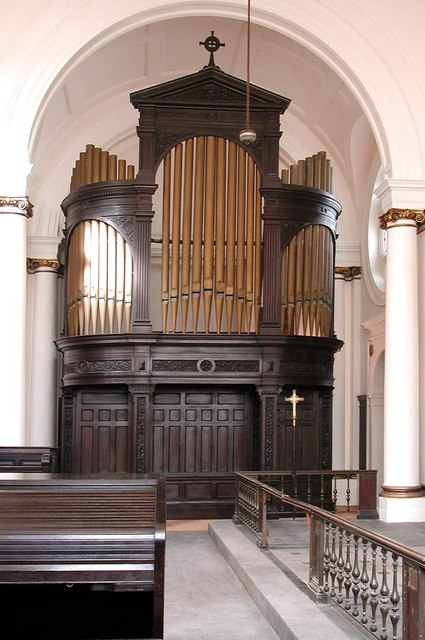 St Andrew, Hove, Sussex - Organ