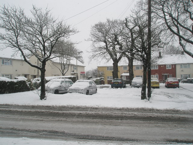 Snow covered houses in Barncroft Way