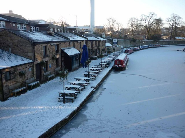 The Water Witch pub, Lancaster Canal