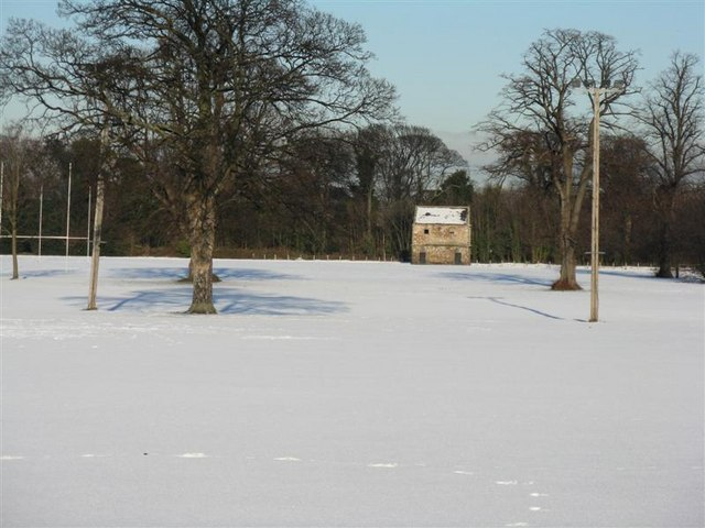 Pinkie House Doocot in the snow