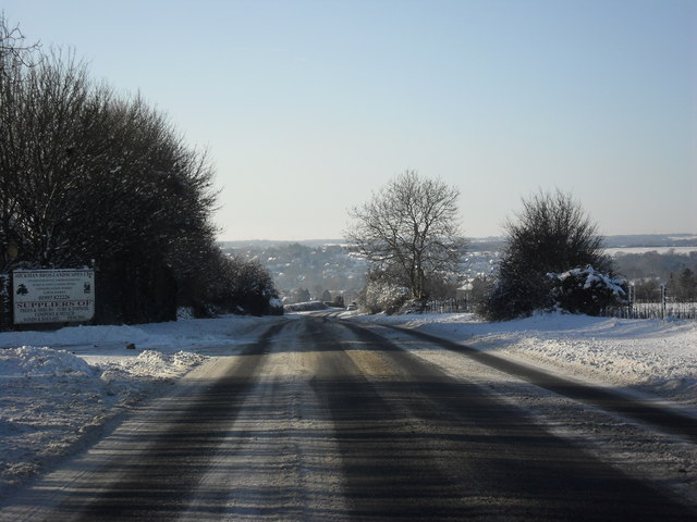 The A361 nearing Fulbrook