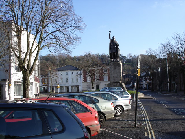 Winchester - statue of King Alfred