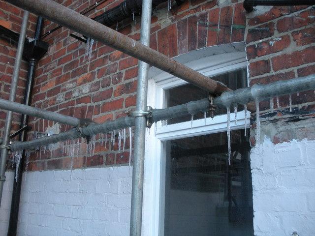 Stalactites, hanging off scaffolding