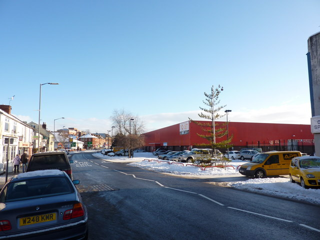 Big red warehouse to let