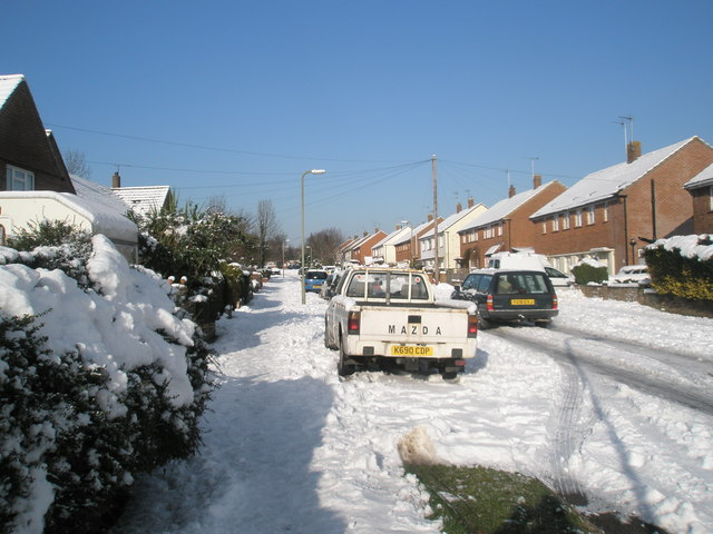 Heavy snow in Newbarn Road