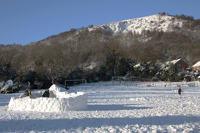 Igloo construction on Assarts playing field
