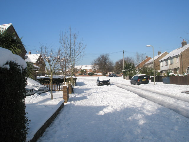 Approaching a spur in Newbarn Road