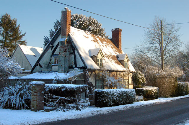 A 'chocolate box' snowscene in Leamington Hastings