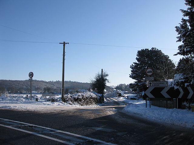 Junction of A40 and the B4224