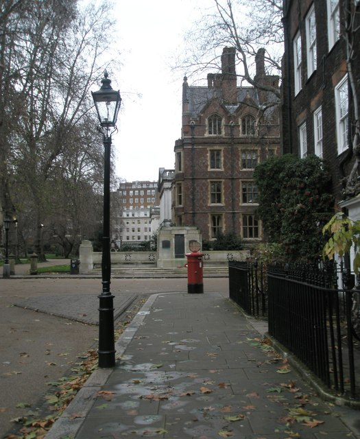 Approaching a postbox within Lincoln's Inn