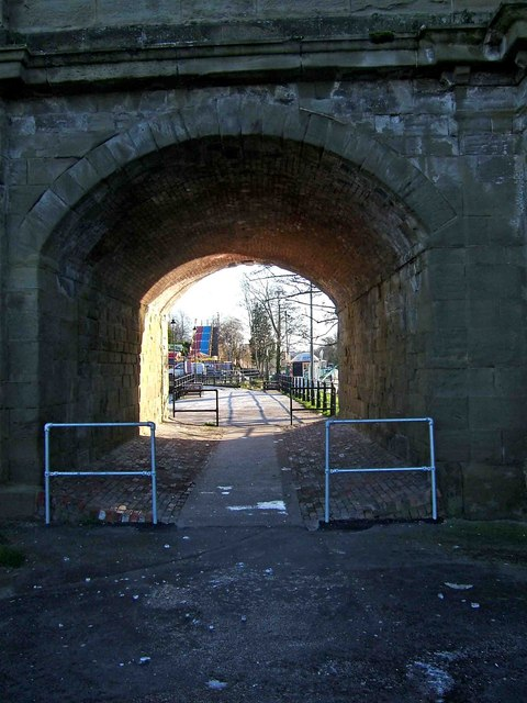 View southeast through an arch of Stourport Bridge, Stourport-on-Severn