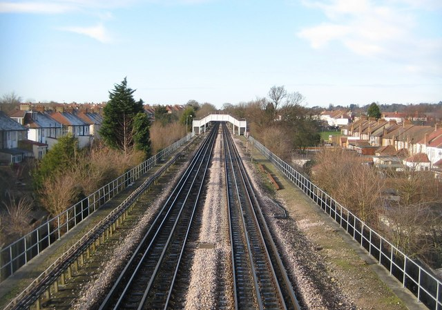 Piccadilly Line in Sudbury (3)