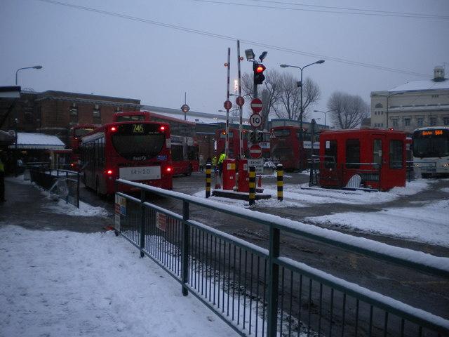 Golders Green Bus Station
