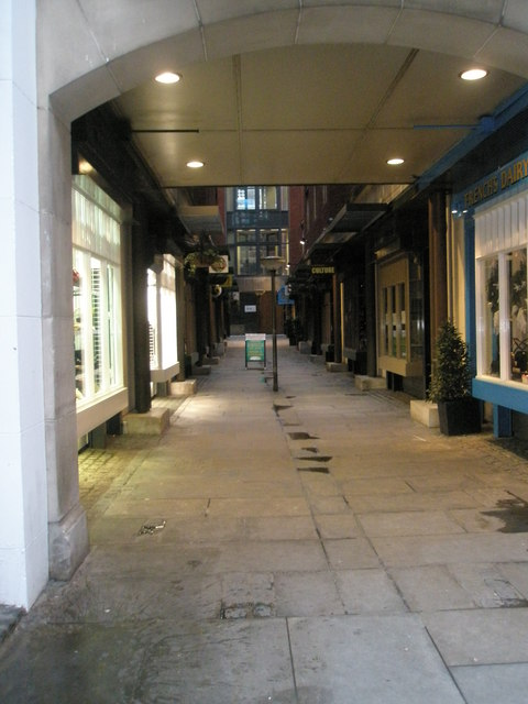 Shopping alley between Chancery Lane and Lincoln's Inn