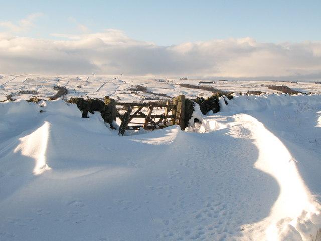 Snowy track to Stobb Cross