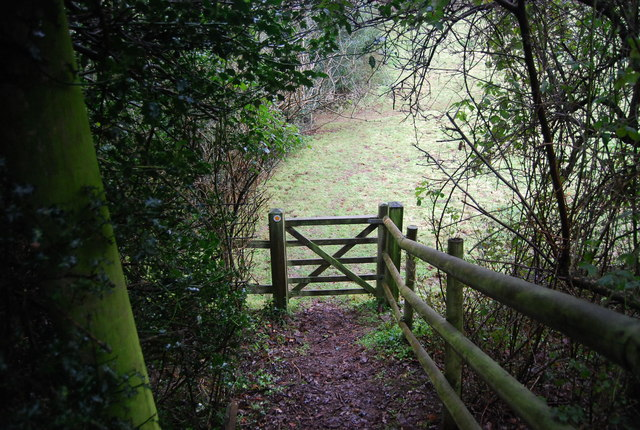 Gate on the footpath near Roebuck Farm