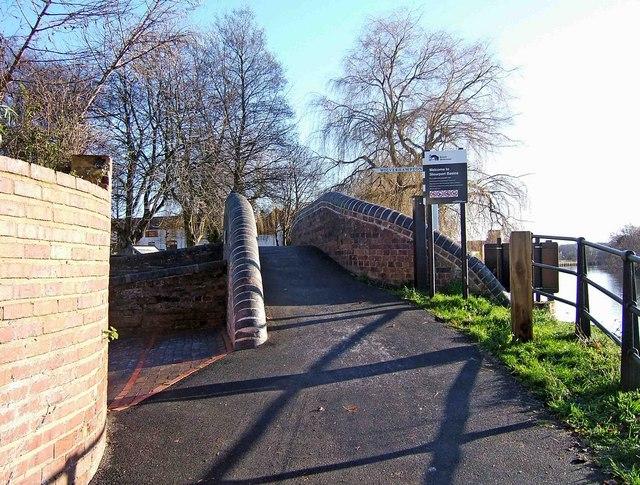 Canal bridge at Stourport Basins