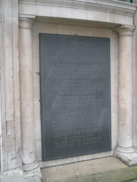 Explanatory plaque outside St Clement Dane