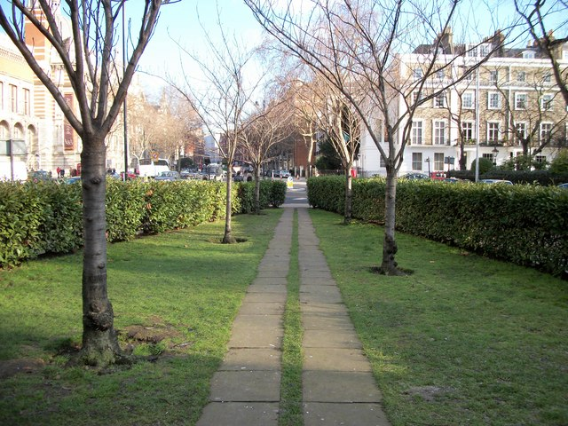 Gardens at junction of Thurloe Place and Cromwell Gardens