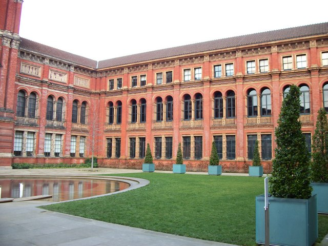 Courtyard at Victoria and Albert Museum
