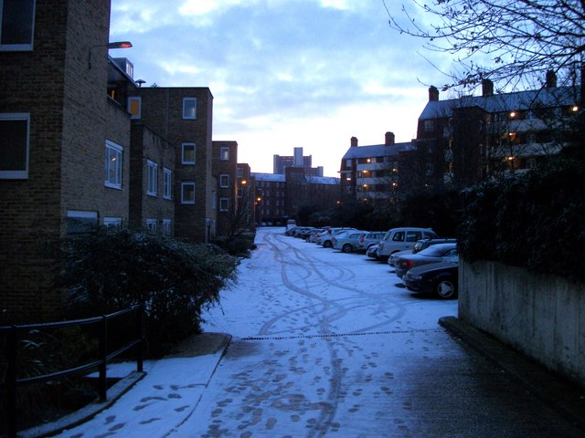 Winter morning in Bessborough Place