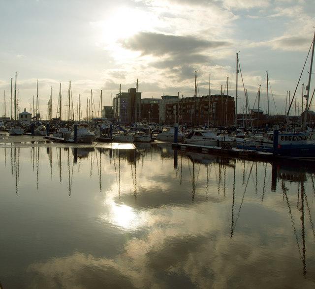 Reflecting on Hull Marina