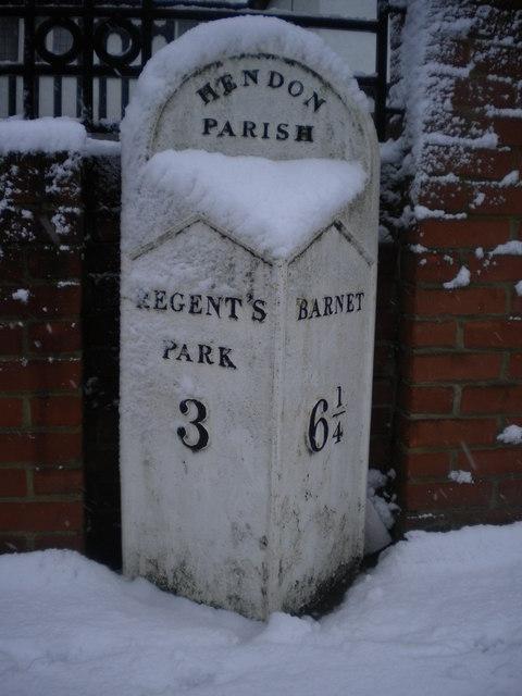 Parish milepost, Finchley Road NW11