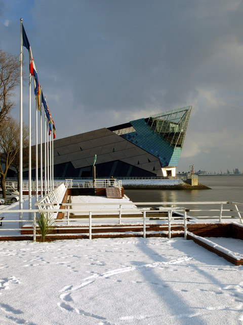 "Hull's ""The Deep"" from Hull Pier in the Snow"