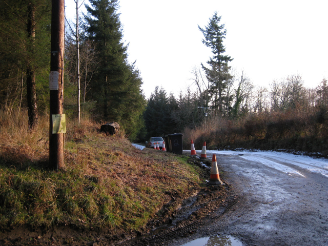 Track, pole and planning site notice