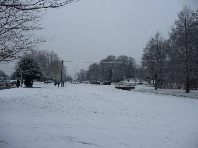 Tiverton : Open Grass & Roundabout