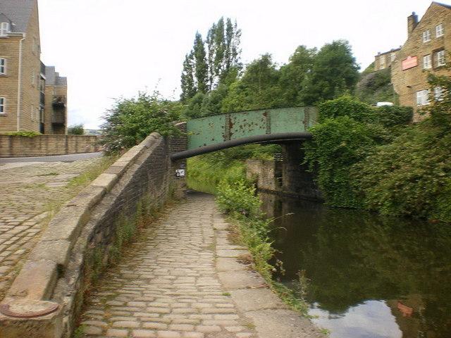 Chain Bridge over the Calder & Hebble Navigation