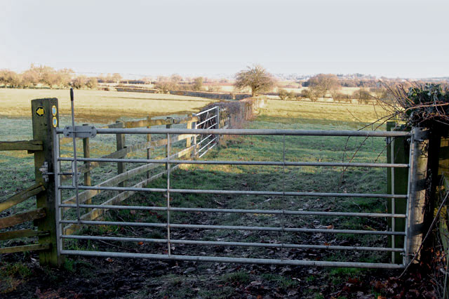East along the bridleway from Willoughby House to Braunston