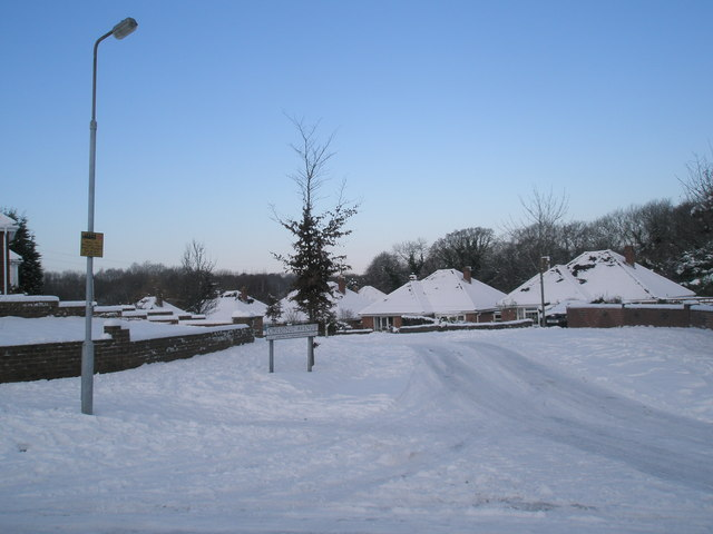 Thick snow in Chestnut Avenue