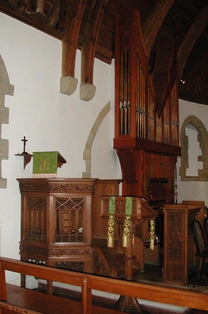 St Mark, Peaslake, Surrey - Pulpit
