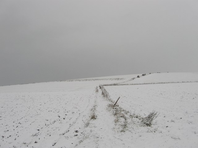 Footpath to Cattle Hill