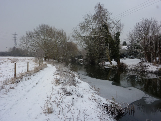 Footpath by the Gipping in winter