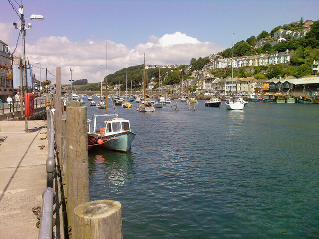 West  Looe Looking Up Stream To Looe  Bridge