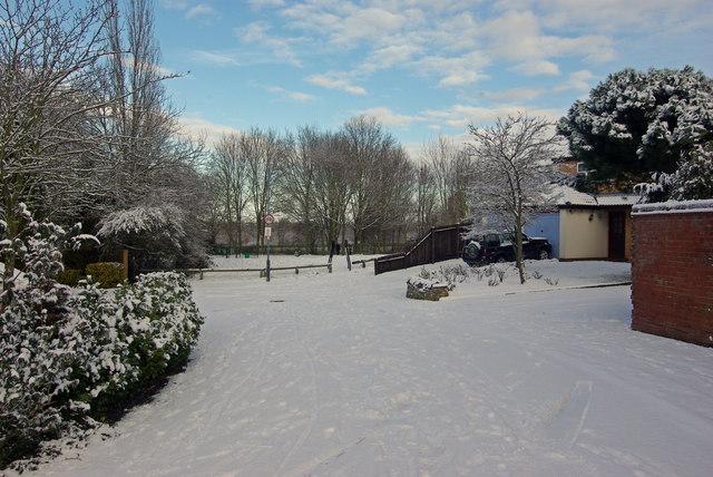 Snow in Apple Grove, Bilton