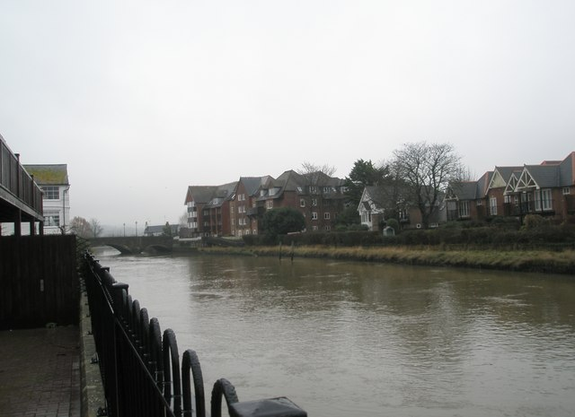 Looking along the Arun towards the roadbridge