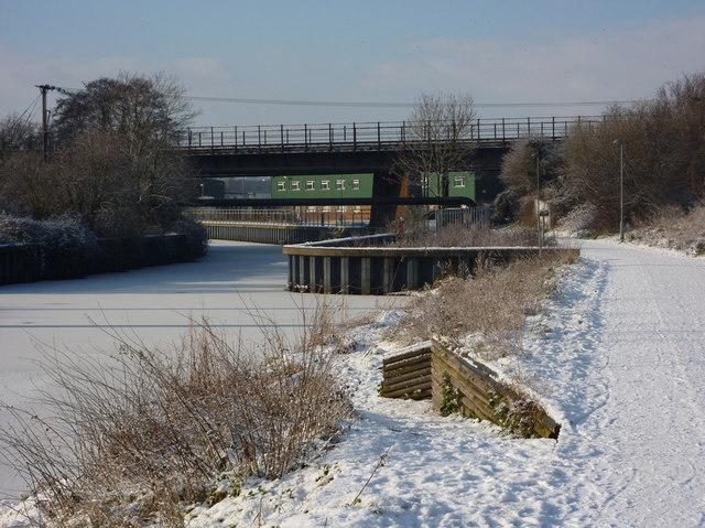 River Gipping towards railway bridge