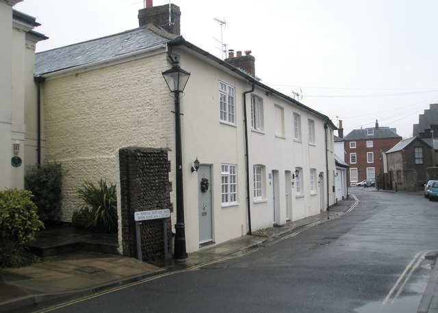 Cottages in River Road
