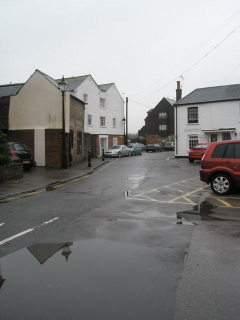 Looking along River Road towards the vets