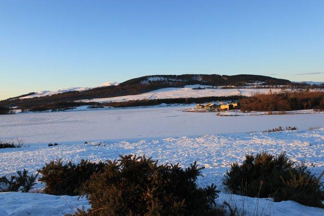Lochore Meadows clune side
