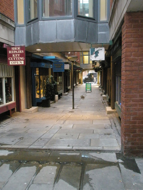 Looking from Star Yard into Chichester Rents